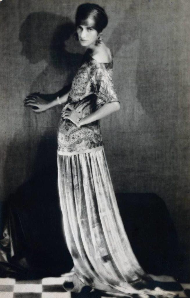 peggy-guggenheim-paul-poiret-man-ray-1926