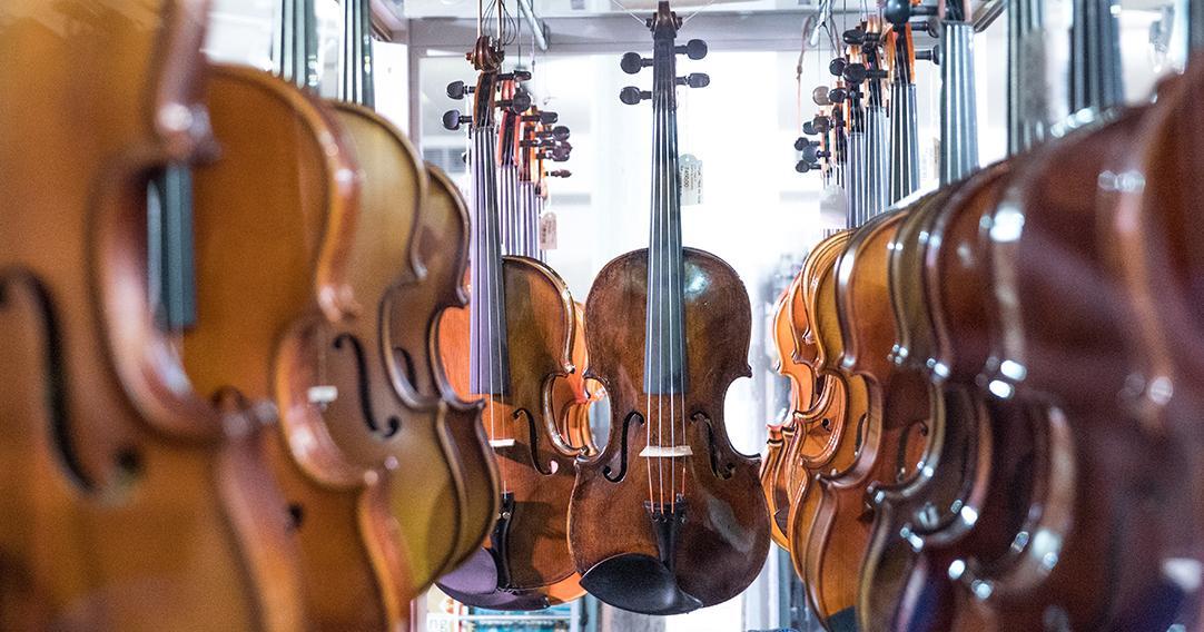 [e-café] Les secrets du métier du luthier et le Stradivarius